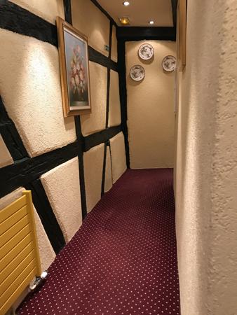 この廊下が迷路で。。。